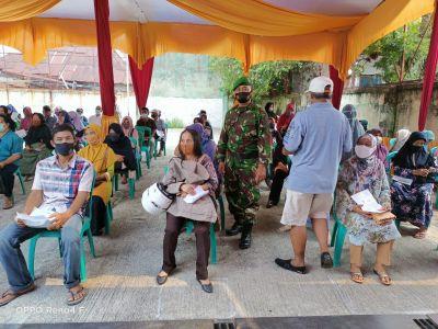Dampingi 434 KK Terima BST, Ini Pesan Sertu Edy Priyanto