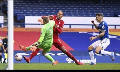 Hajar Van Dijk, Pivkford Diancam Suporter Liverpool
